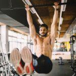 9 способов закалить мышцы кора с помощью простого турника