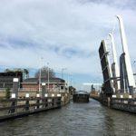 120 км по каналам Голландии: редактор Men's Health у руля баржи